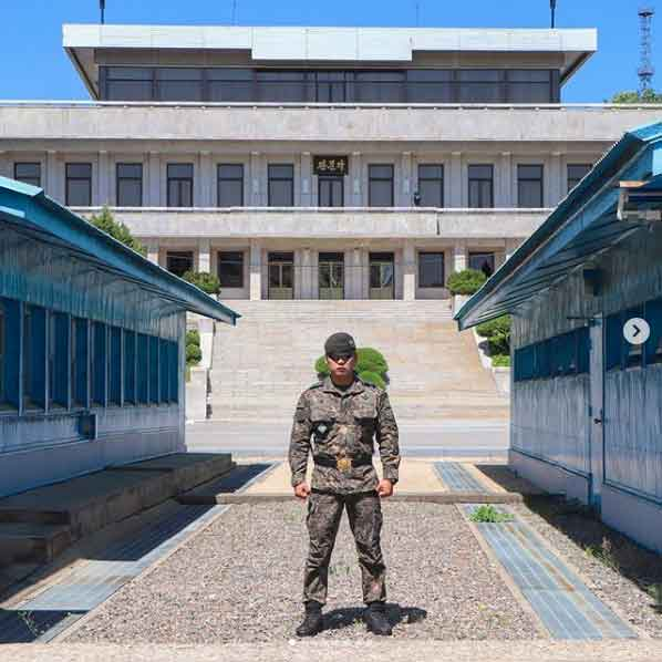 Korean Demilitarized Zone DMZ north korea tourism guided tour beautiful places to visit inside pyongyang vdiscovery arvinovoyage