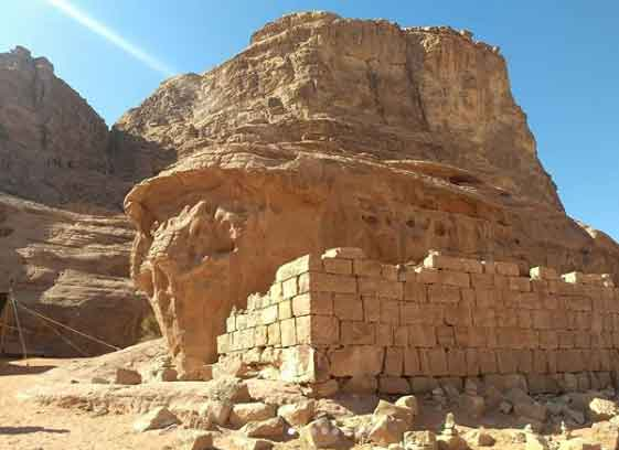 Lawrence of Arabia house 7 interesting facts about wadi rum desert in jordan vdiscovery arvinovoyage