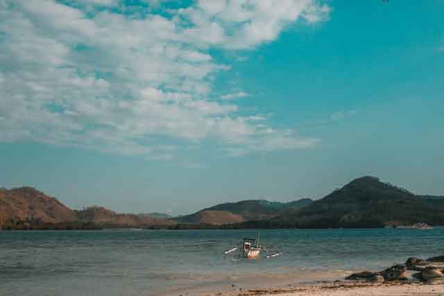 Gili-Nanggu-Lombok-snorkeling-for-beginners-in-indonesia-top-31-destinations-that-will-blow-you-away-vdiscovery-arvinovoyage