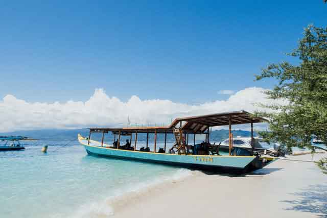 Gili-Trawangan-West-Nusa-Tenggara-snorkeling-for-beginners-in-indonesia-top-31-destinations-that-will-blow-you-away-vdiscovery-arvinovoyage