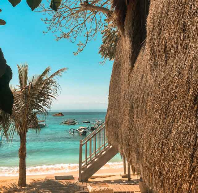 Nusa-Lembongan-Bali-snorkeling-for-beginners-in-indonesia-top-31-destinations-that-will-blow-you-away-vdiscovery-arvinovoyage
