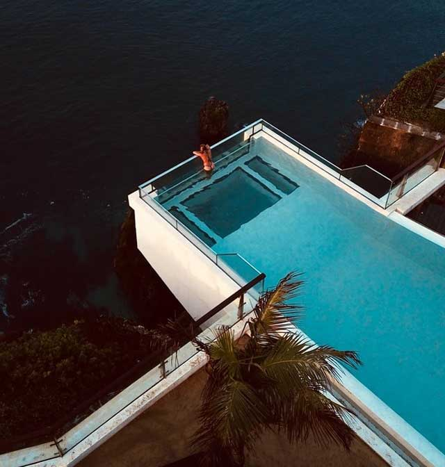 oneeighty-The-edge-Bali-top-10-incredible-pools-in-the-world-for-your-next-vacation-vdiscovery-arvinovoyage